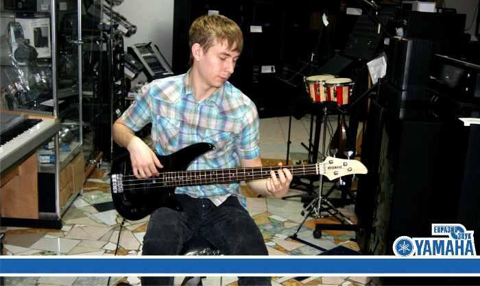 bass-guitara-musikalniy-magazin